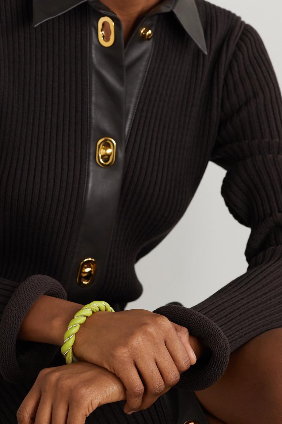 Bottega Veneta Silberfarbene Armspange mit Leder