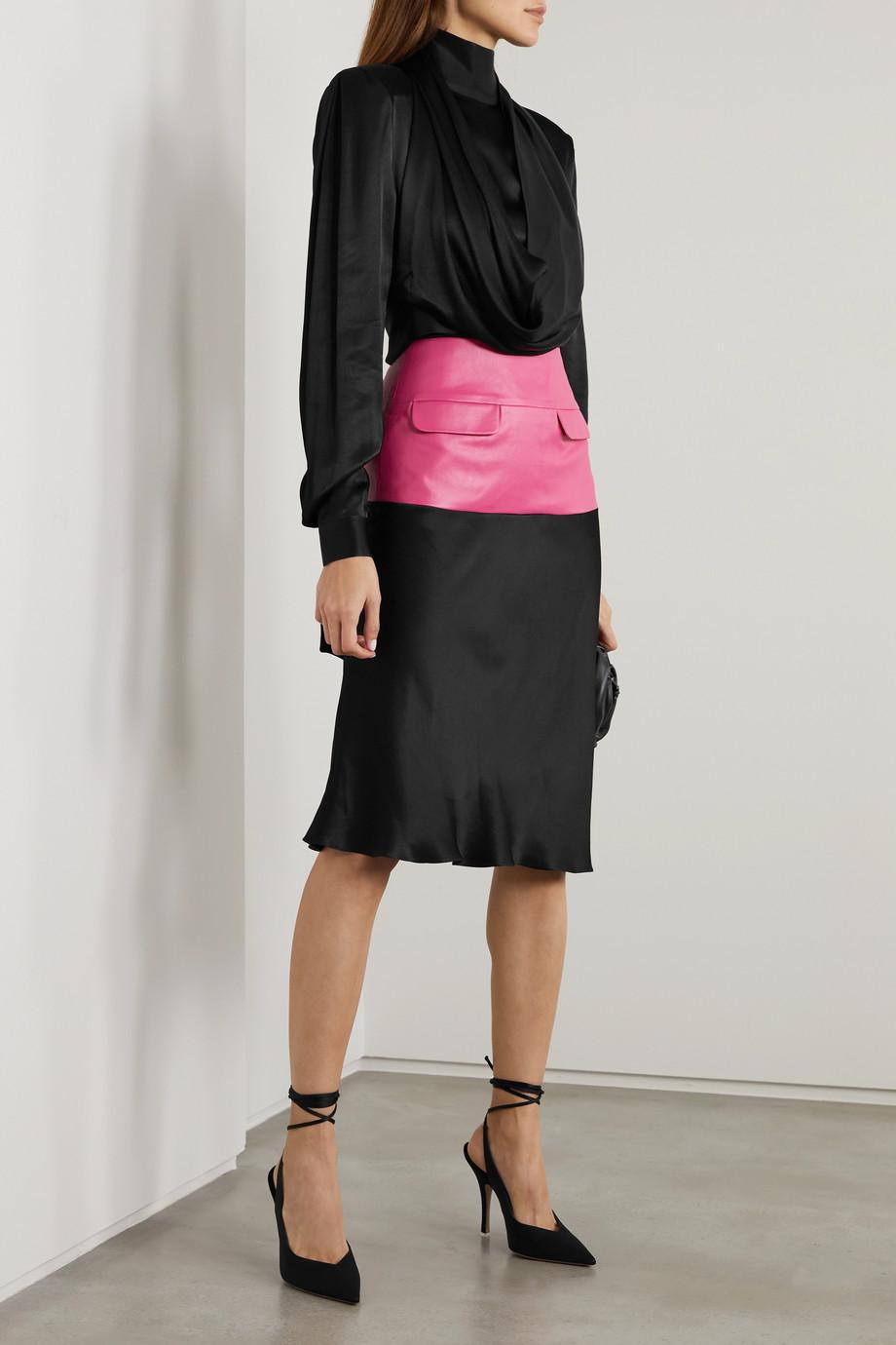 Lado Bokuchava Kleid aus Satin mit Kunstlederbesatz und Drapierung