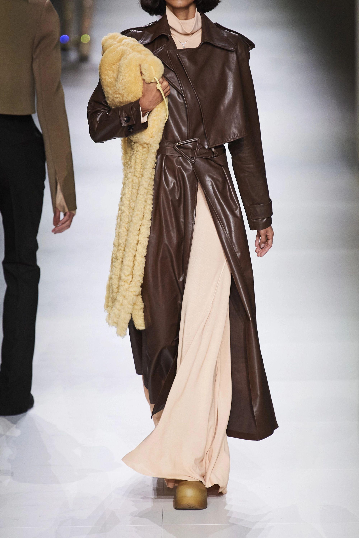 Bottega Veneta Fringe Schultertasche aus Shearling und Leder mit Fransen