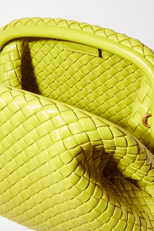Bottega Veneta The Pouch Clutch aus Intrecciato-Leder