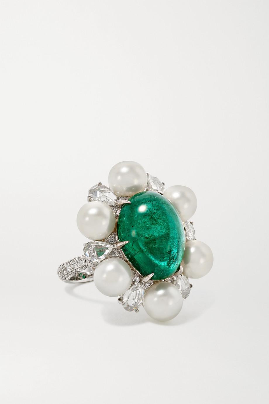 Amrapali Ring aus 18 Karat Weißgold mit Perlen, Smaragd und Diamanten