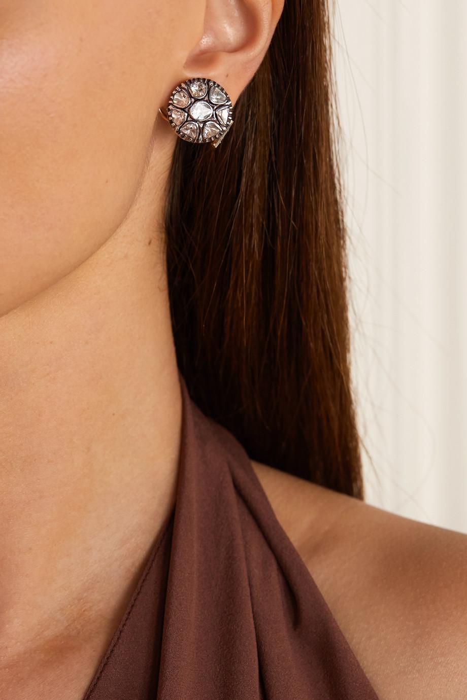 Amrapali Ohrringe aus 18 Karat Gold mit Sterlingsilberauflage und Diamanten