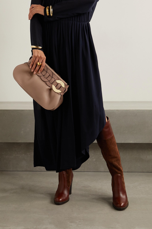 Chloé Darryl Clutch aus strukturiertem Leder mit Flechtdetail