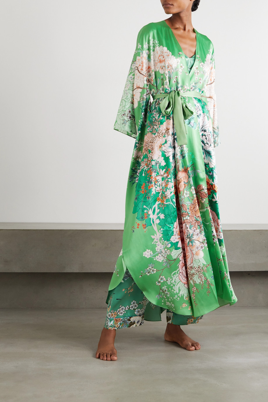 MENG 配腰带花卉印花丝缎睡袍