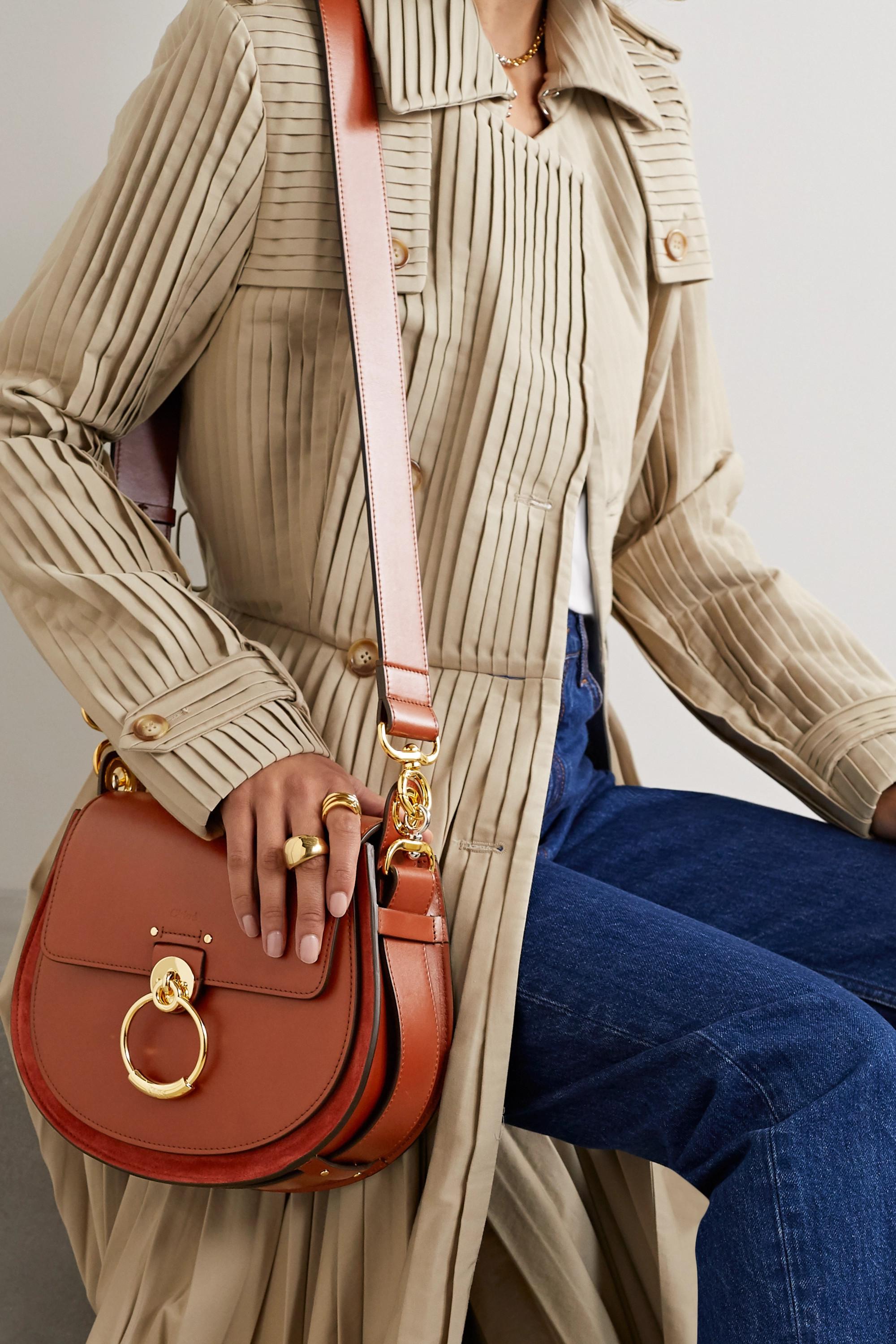 Chloé Tess große Schultertasche aus Leder und Veloursleder