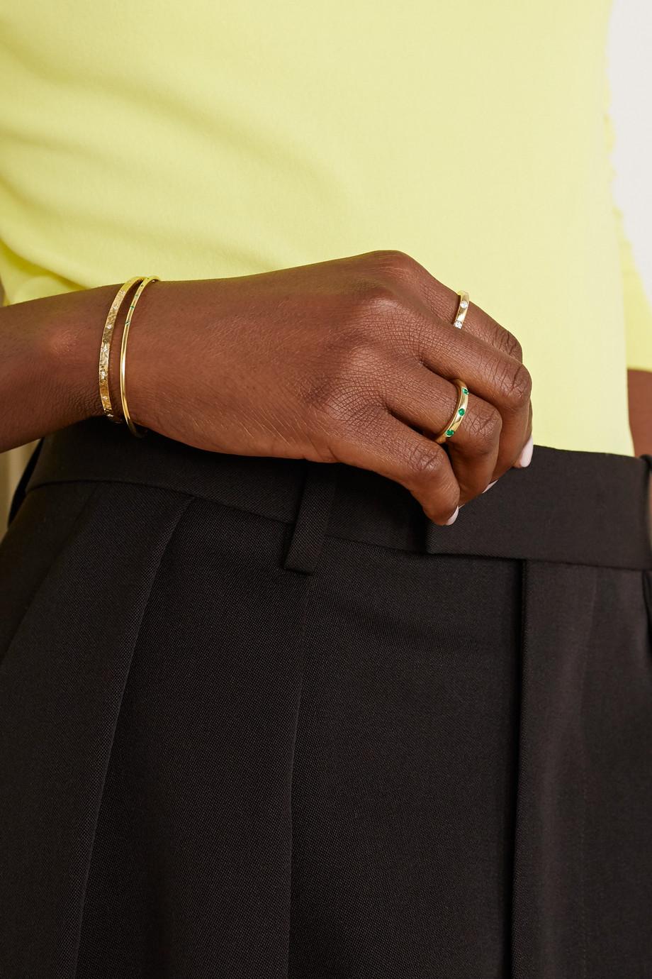 Octavia Elizabeth + NET SUSTAIN Ivy Ring aus 18 Karat Gold mit Smaragden