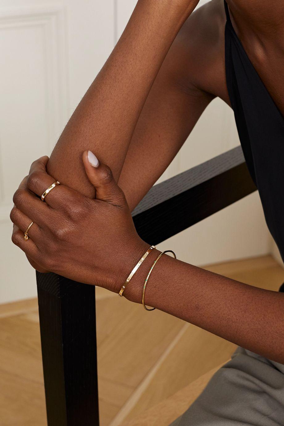 Octavia Elizabeth + NET SUSTAIN Gehämmerte Armspange aus 18 Karat Gold mit Diamanten