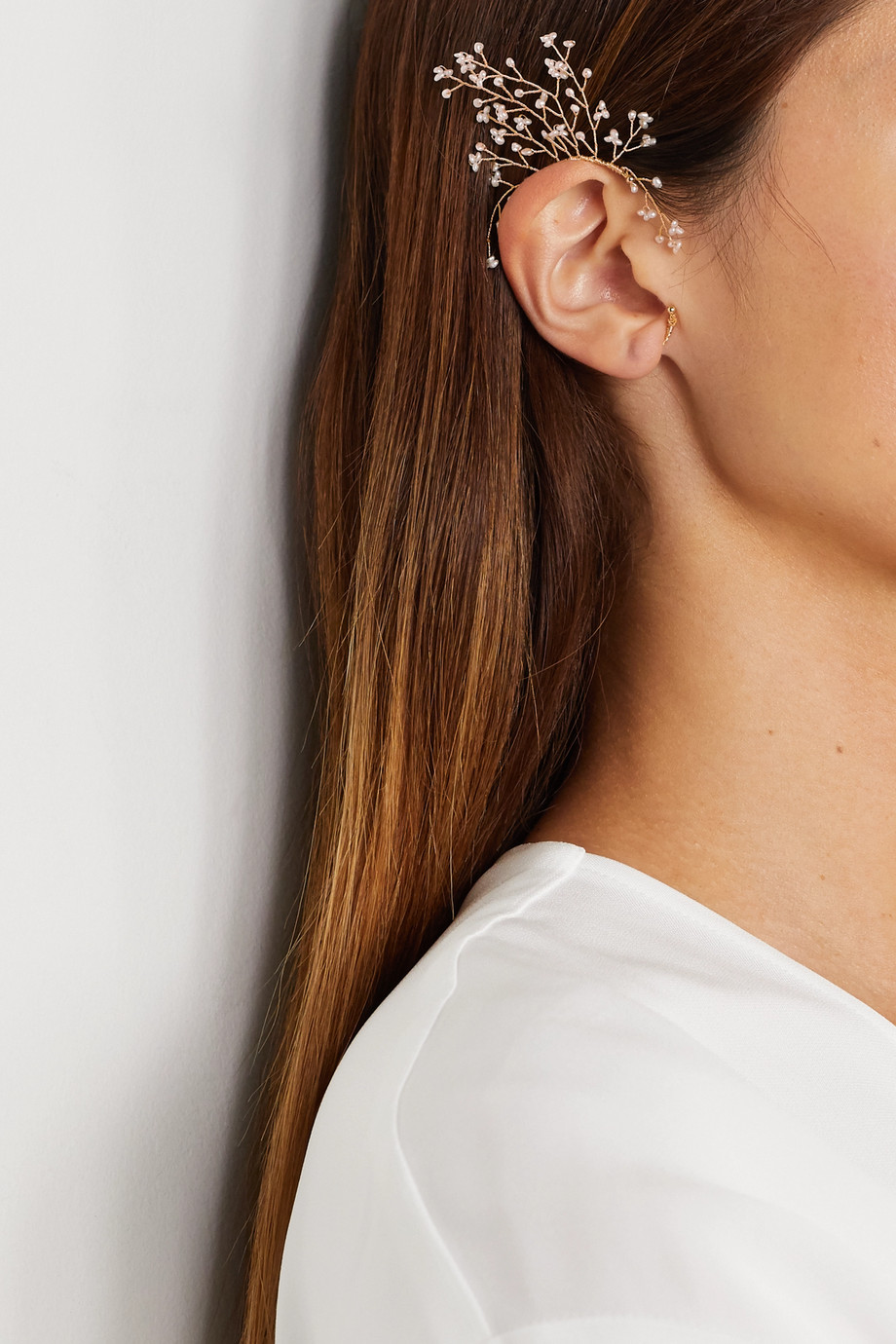 14 / Quatorze Baby's Breath gold-plated pearl ear cuff