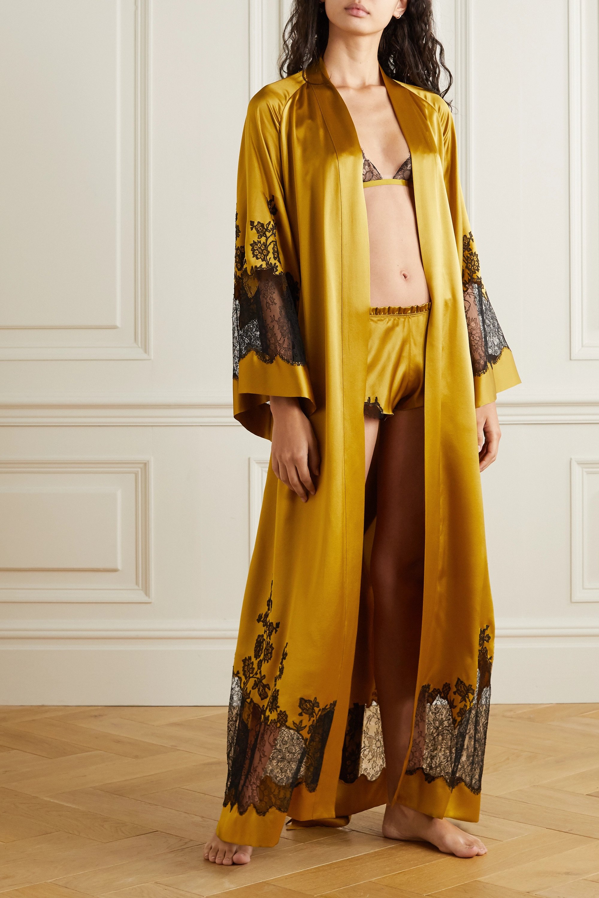 Carine Gilson Belted Chantilly lace-trimmed silk-satin robe