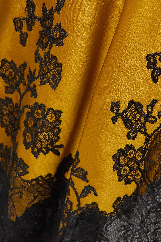 Carine Gilson Nachthemd aus Seidensatin mit Besätzen aus Chantilly-Spitze