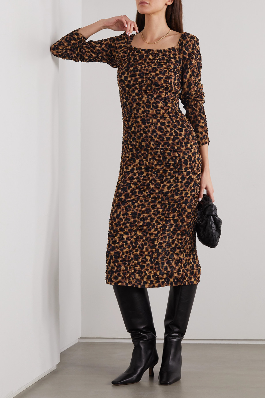 By Malene Birger Robe midi froncée en jersey stretch à imprimé léopard Amyna
