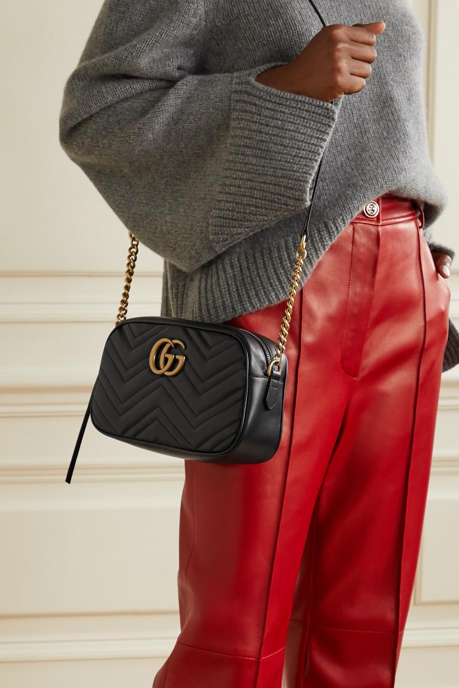 Gucci GG Marmont Camera kleine Schultertasche aus gestepptem Leder