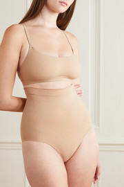 SKIMS Seamless Sculpt Sculpting Mid Waist briefs - Clay
