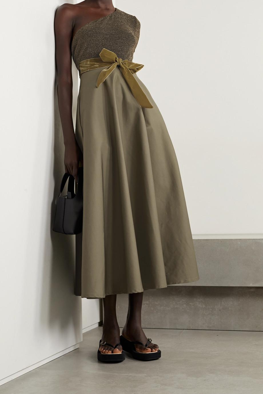 ARTCLUB + NET SUSTAIN Casa Miller Maxi-Wickelkleid aus Baumwoll-Twill und Stretch-Lurex® mit Samtbesätzen und asymmetrischer Schulterpartie