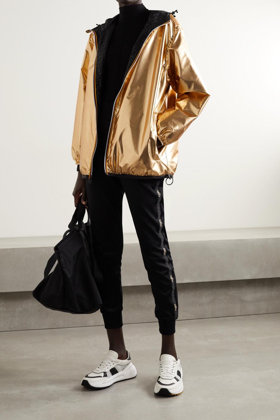 Fendi + K-Way wendbare Jacke aus bedrucktem Shell mit Kapuze und Applikation