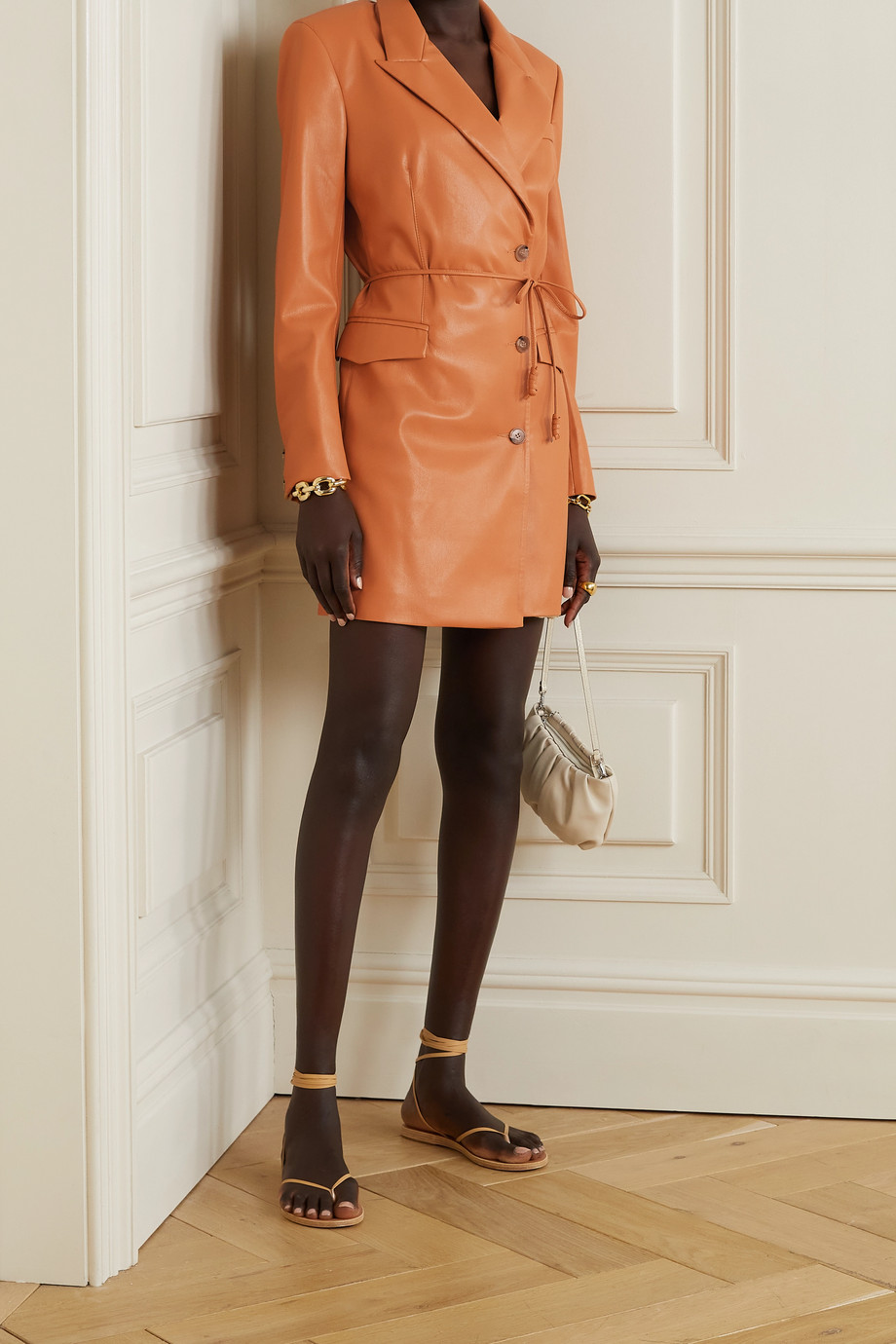 Nanushka Mini-robe en cuir vegan à ceinture Remi