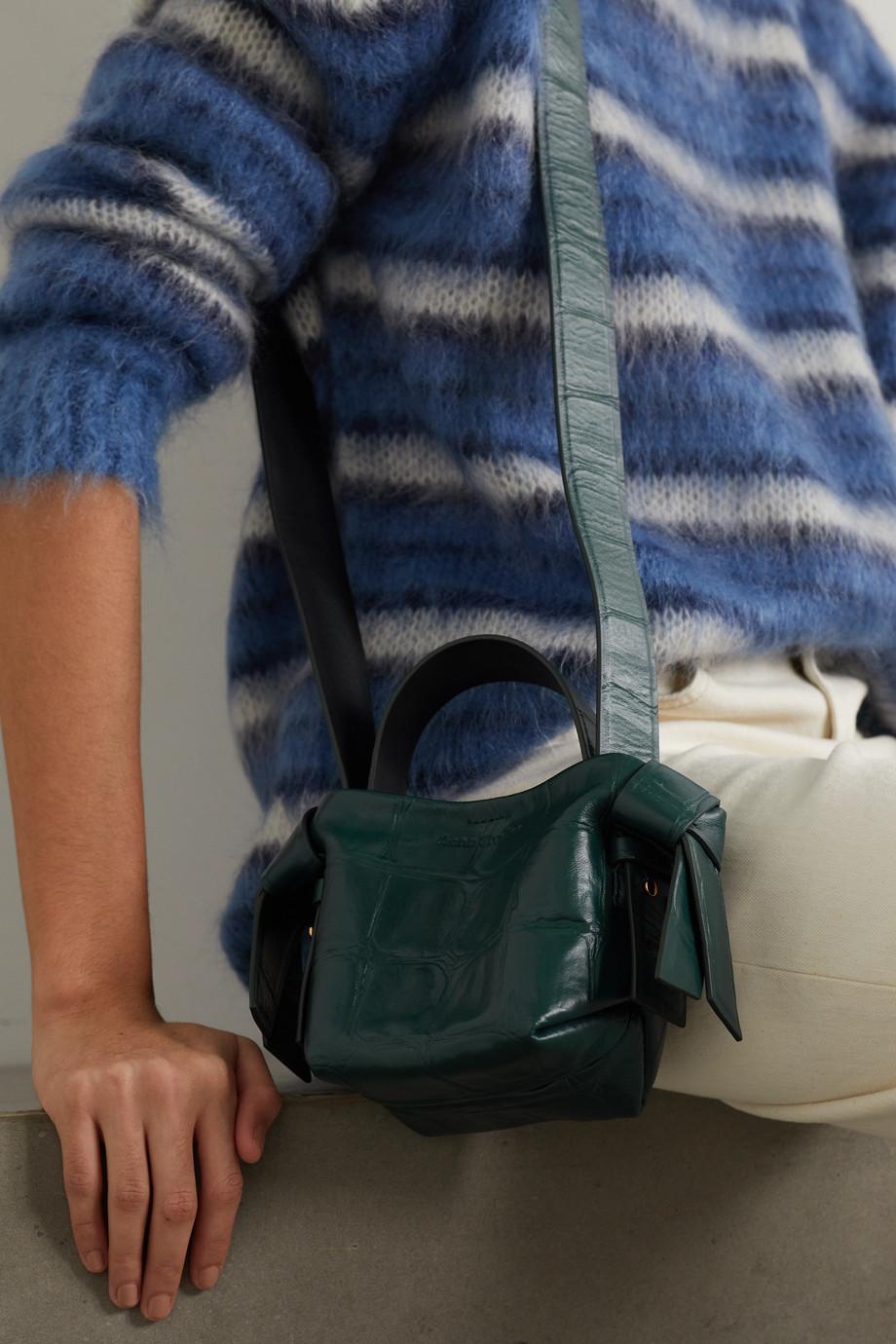 Acne Studios Schultertasche aus Leder mit Krokodileffekt und Knoten