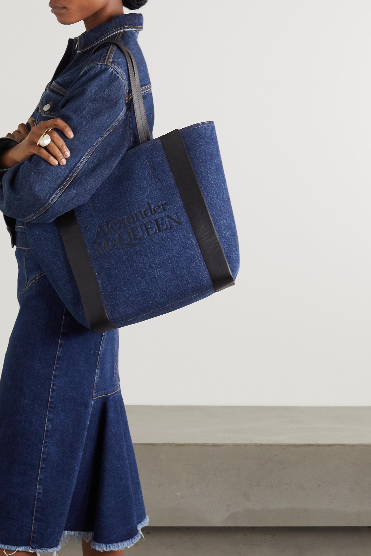 Alexander McQueen Signature Tote aus Denim mit Print und Lederbesätzen