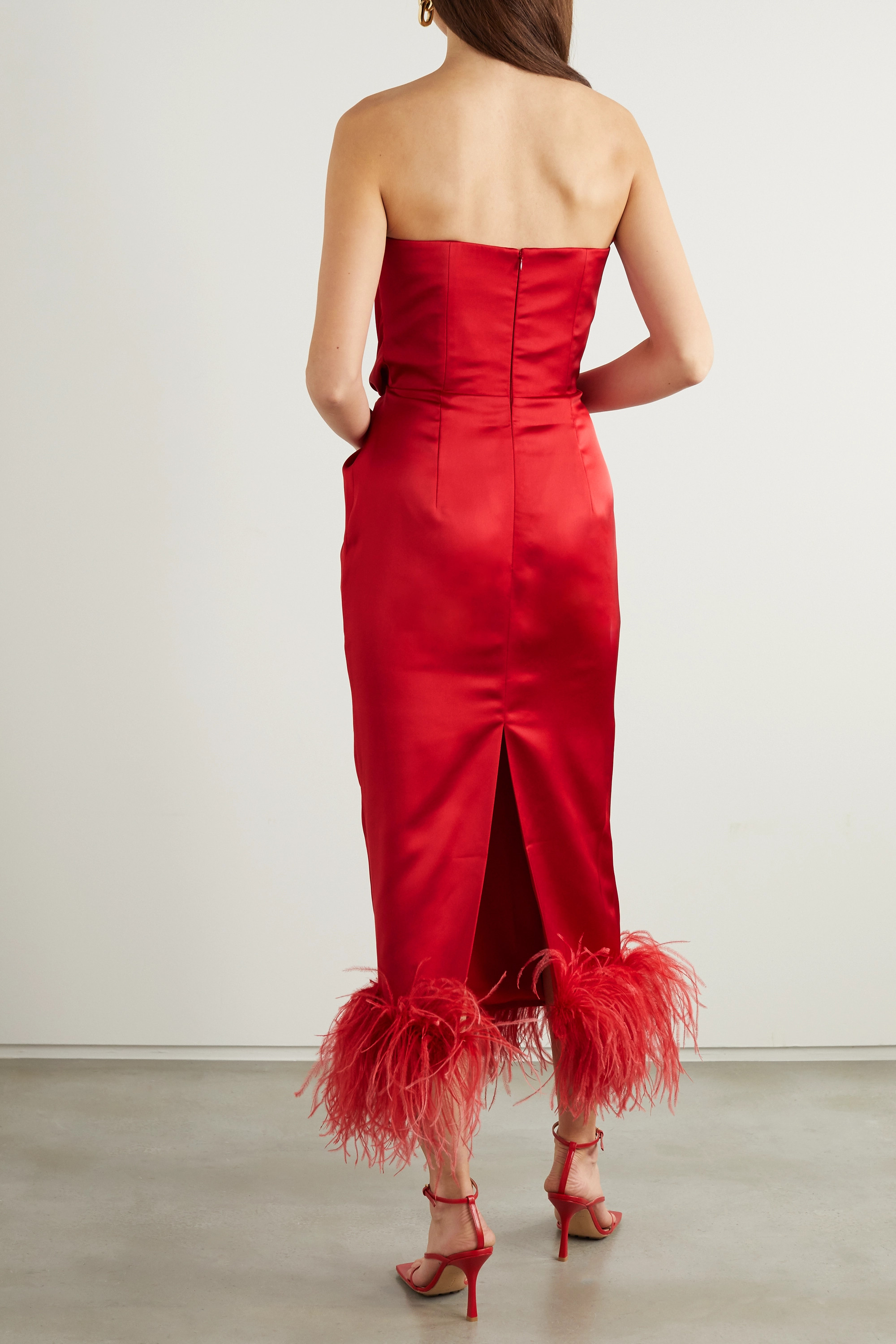 16ARLINGTON Himawari strapless feather-trimmed knotted satin midi dress