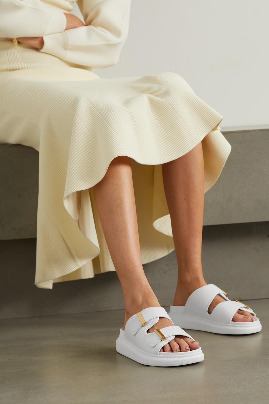 Alexander McQueen Pantoletten aus Leder mit überstehender Sohle
