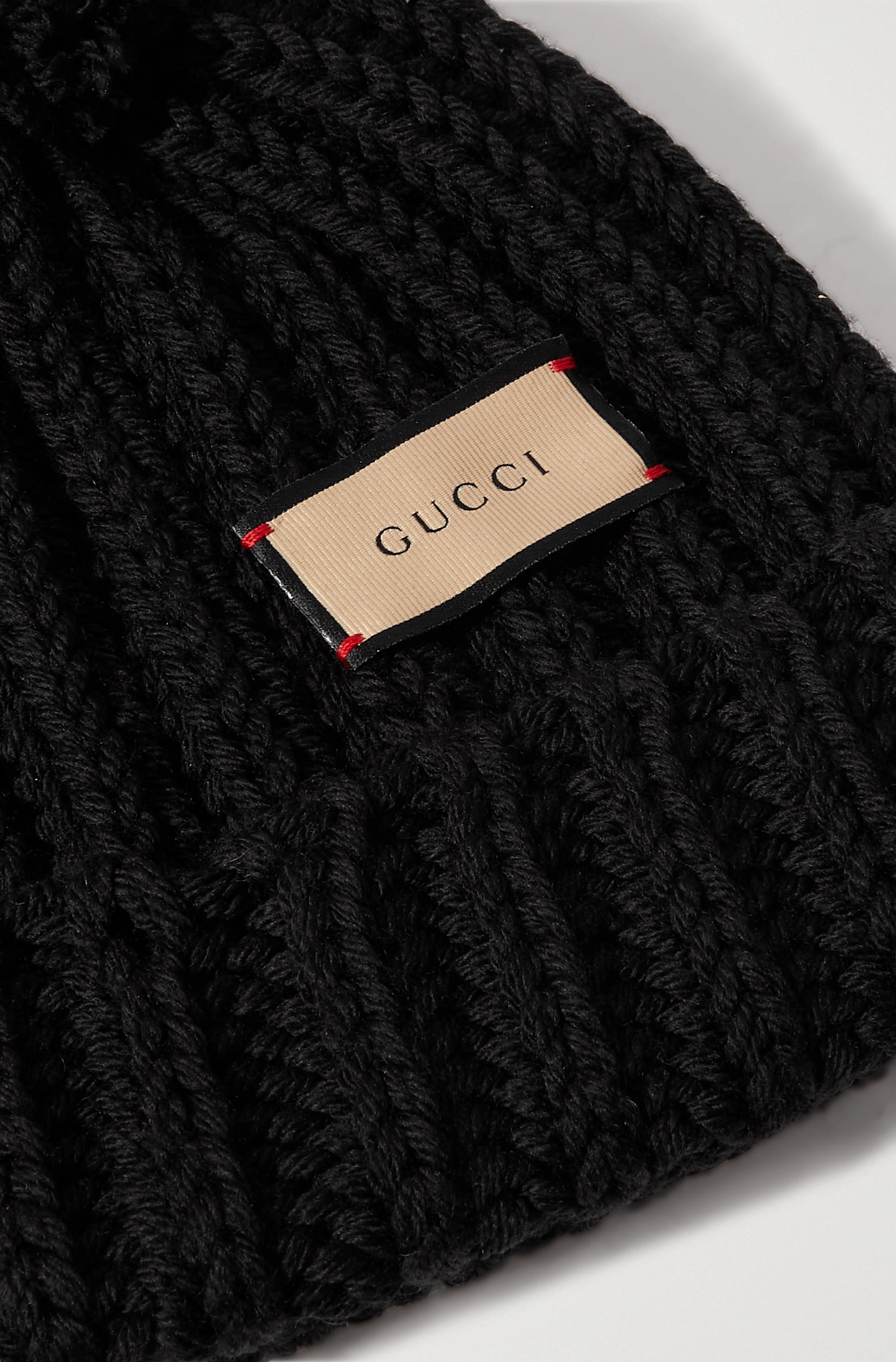 Gucci Beanie aus gerippter Wolle mit Pompon