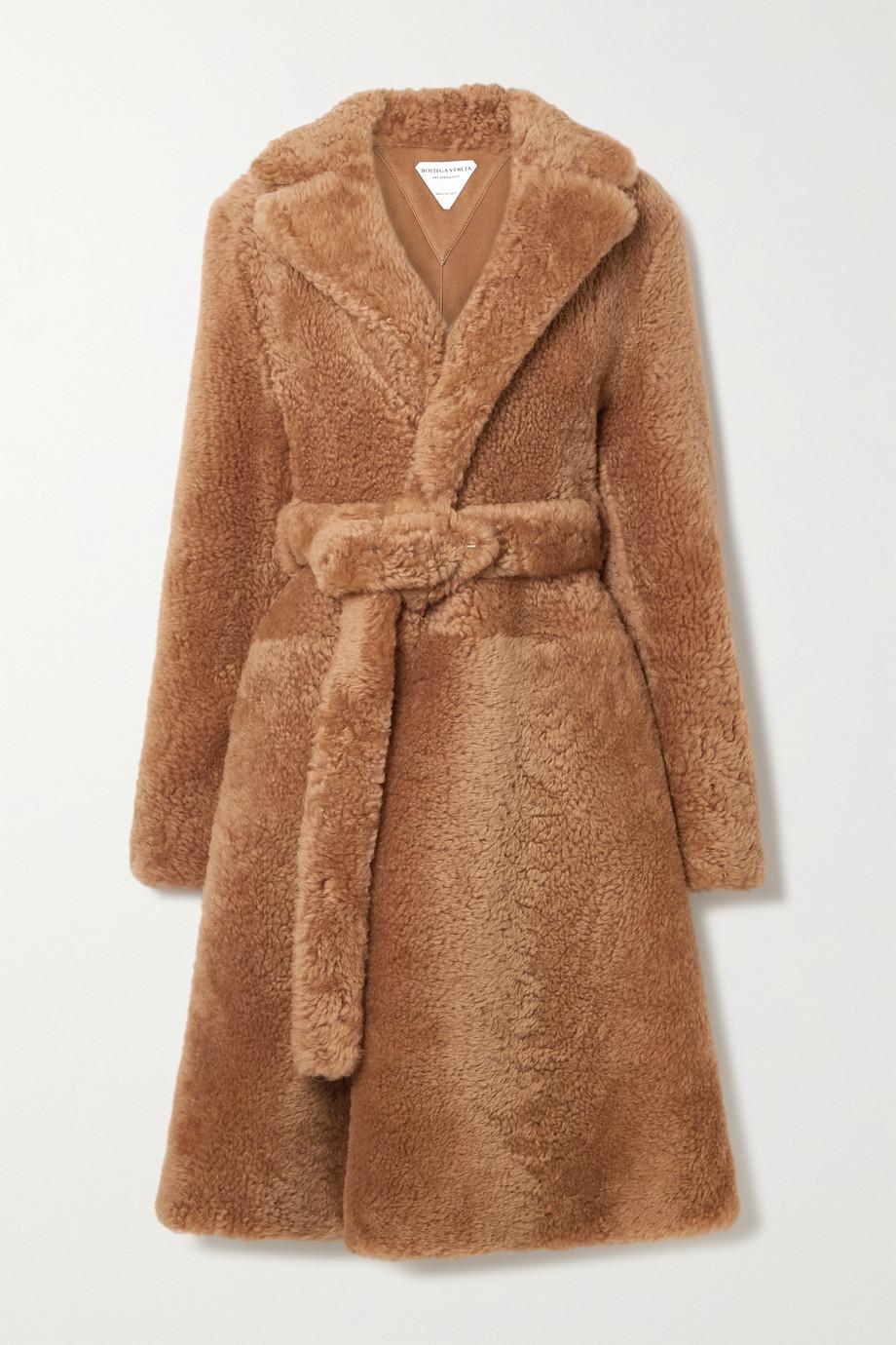 Bottega Veneta Manteau en peau lainée à ceinture