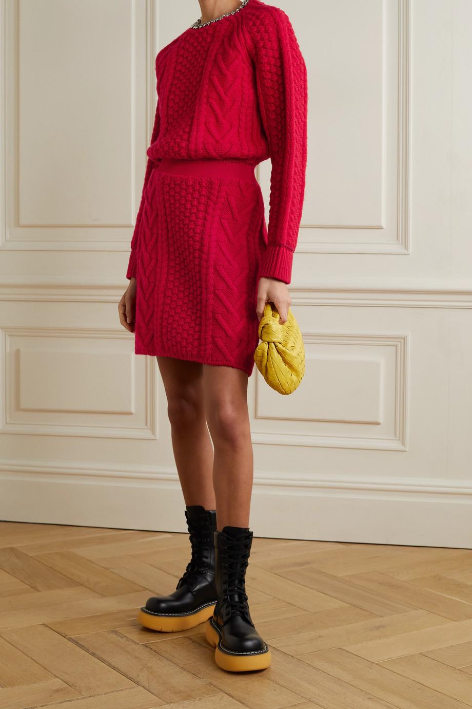 Bottega Veneta Rückenfreier Pullover aus Wolle mit Zopfstrickdetails und Kette