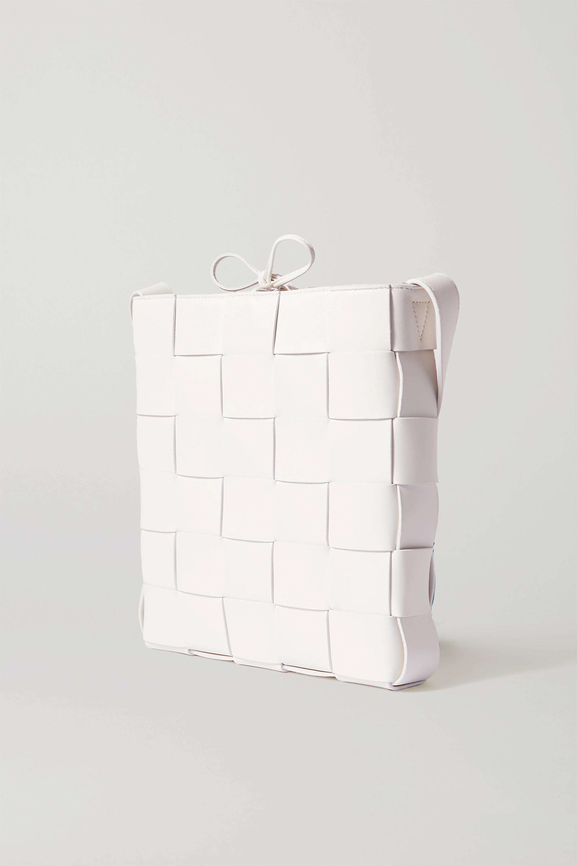 Bottega Veneta Cassette Messenger intrecciato leather shoulder bag