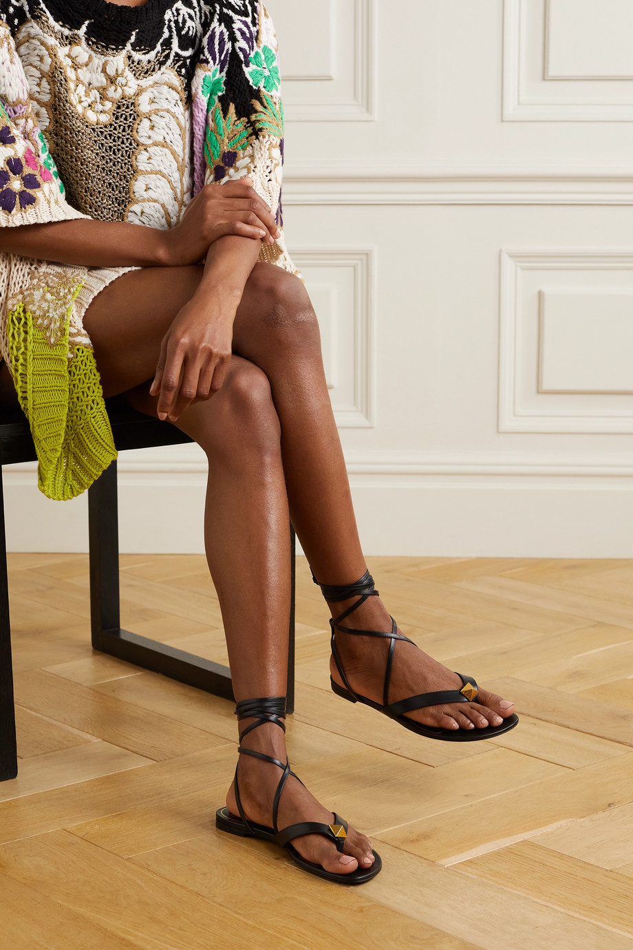 Valentino Valentino Garavani Upstud leather sandals