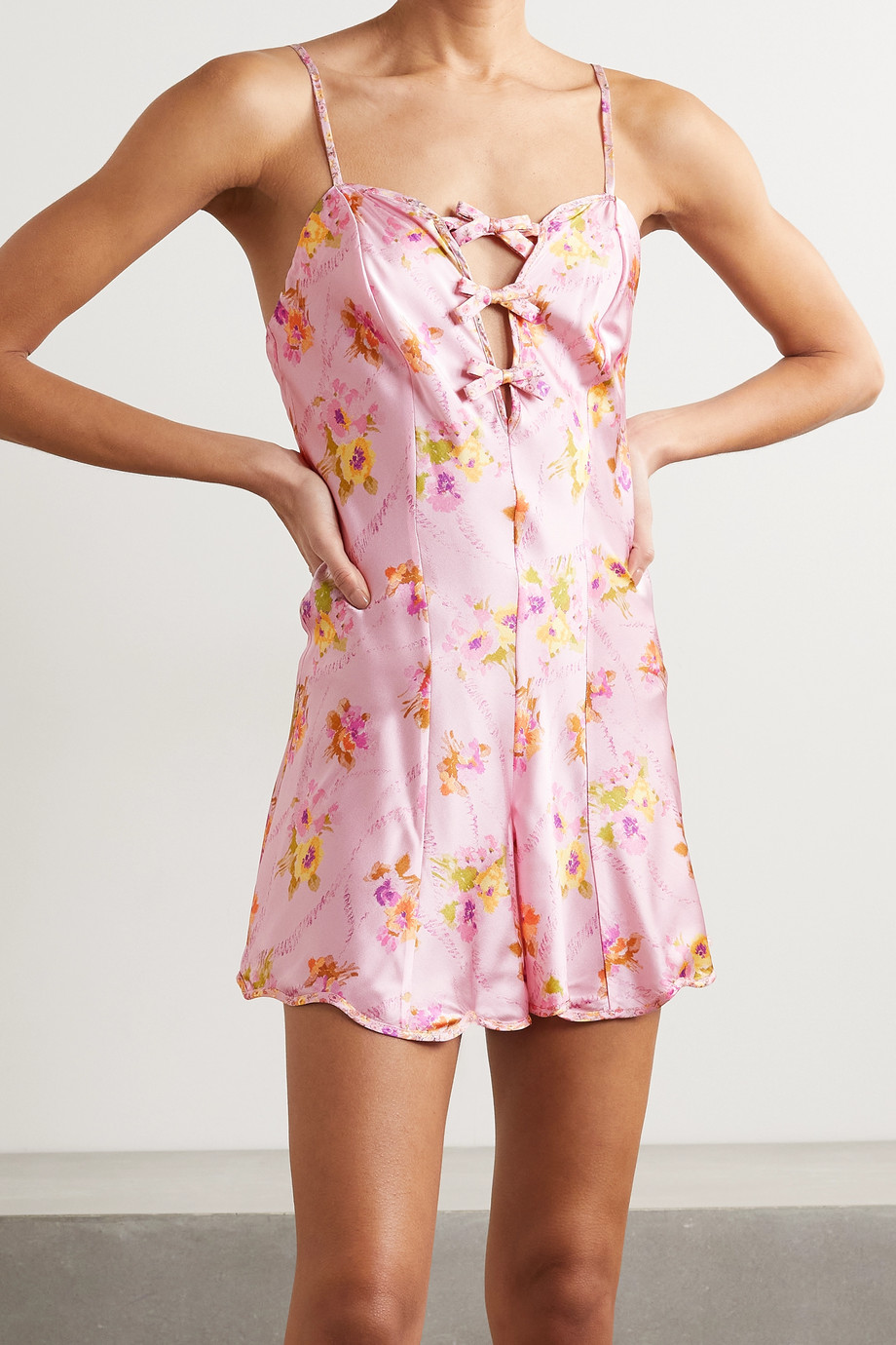 Morgan Lane + LoveShackFancy Tilly Playsuit aus Satin aus einer Seidenmischung mit Cut-outs