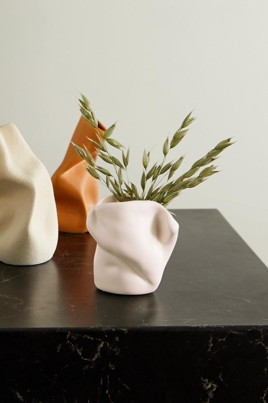 Completedworks + Ekaterina Bazhenova Yamasaki Postures small ceramic vase