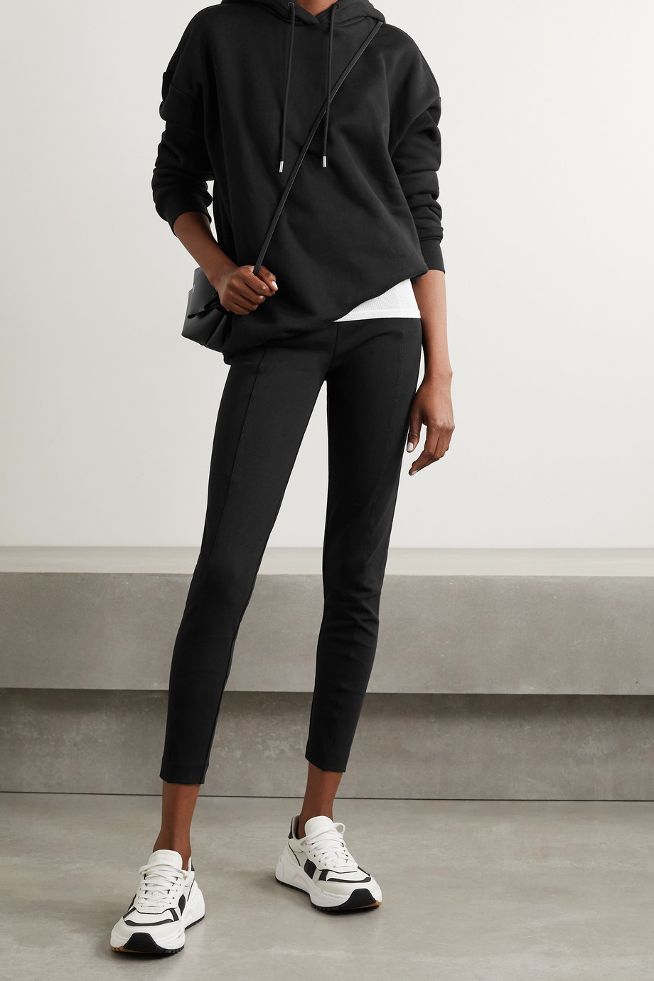 Ninety Percent + NET SUSTAIN Hose mit schmalem Bein aus Jersey aus einer Biobaumwollmischung