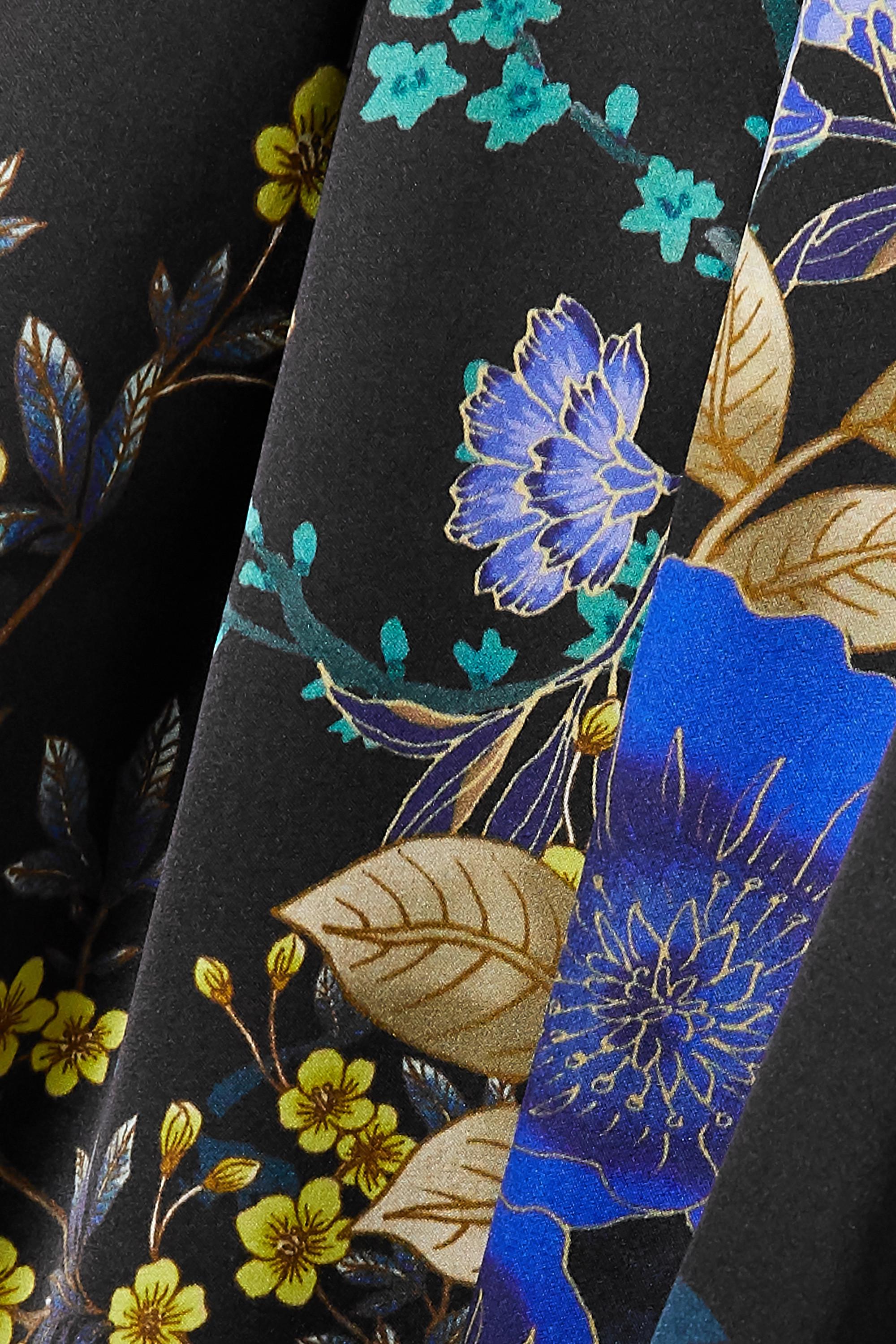 MENG Morgenmantel aus Seidensatin mit Blumenprint und Bindegürtel