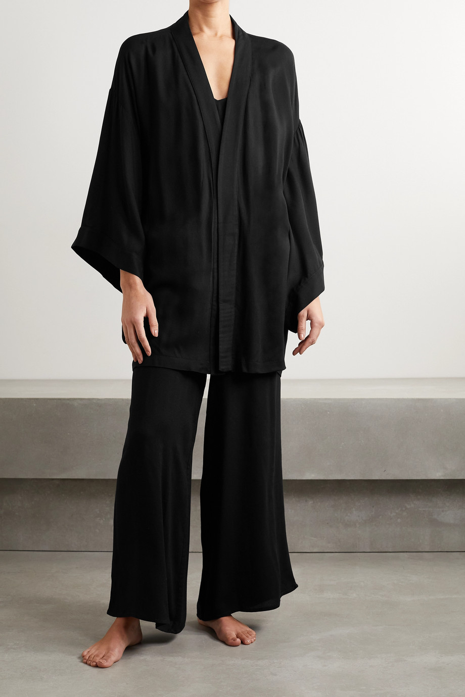 Marika Vera Elle Set aus Pyjama und Morgenmantel aus Crêpe