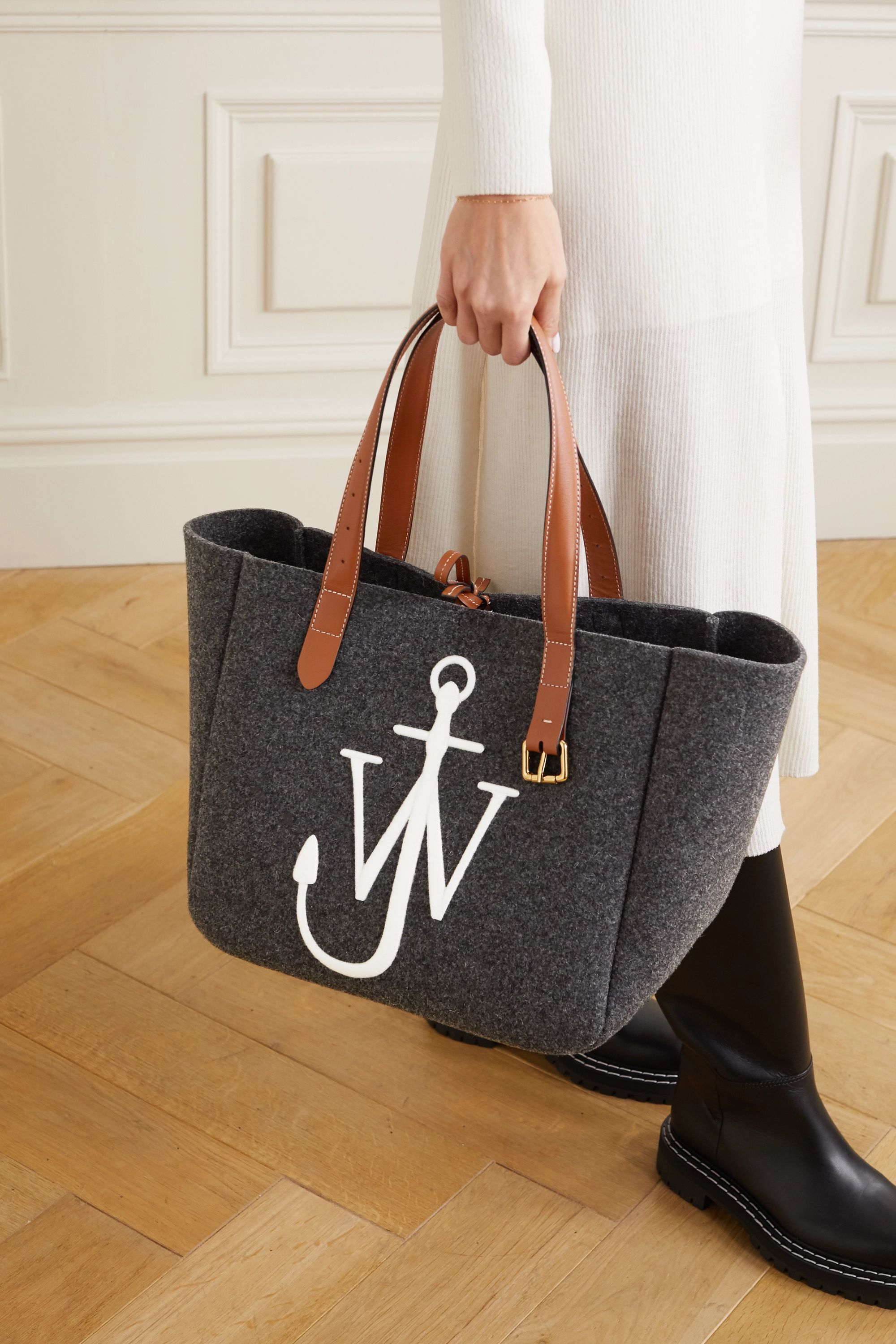 JW Anderson Sac à main en feutre à finitions en cuir et à broderies Belt Medium