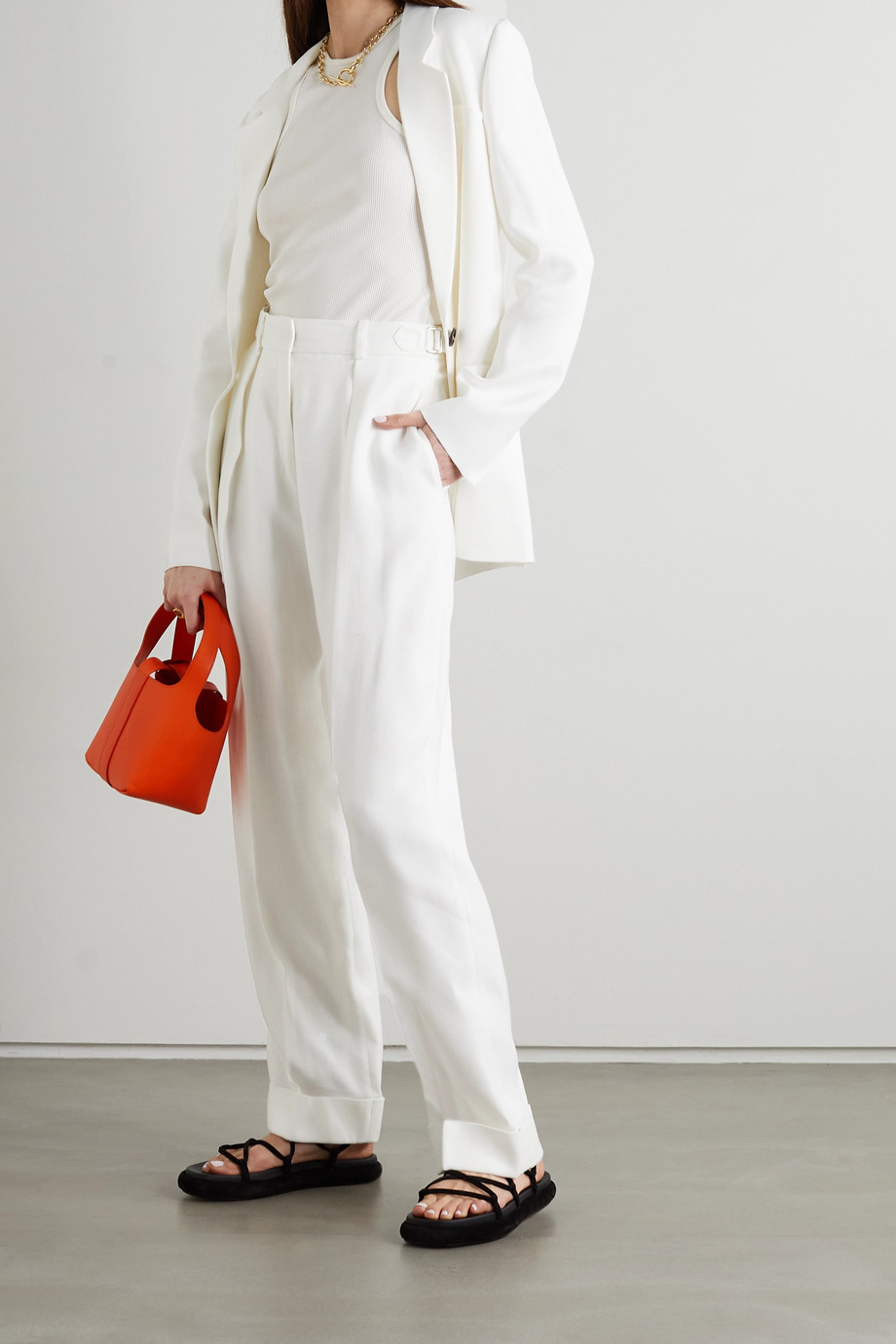 Victoria, Victoria Beckham Pleated woven tapered pants
