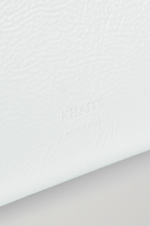 Khaite Adeline Schultertasche aus Lackleder in Knitteroptik