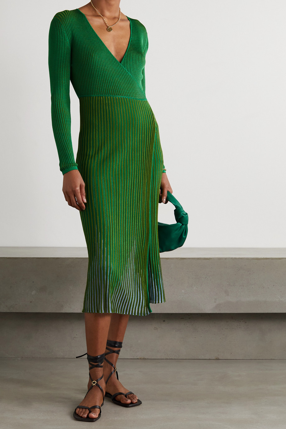 Diane von Furstenberg Robe midi portefeuille en mailles côtelées Dara