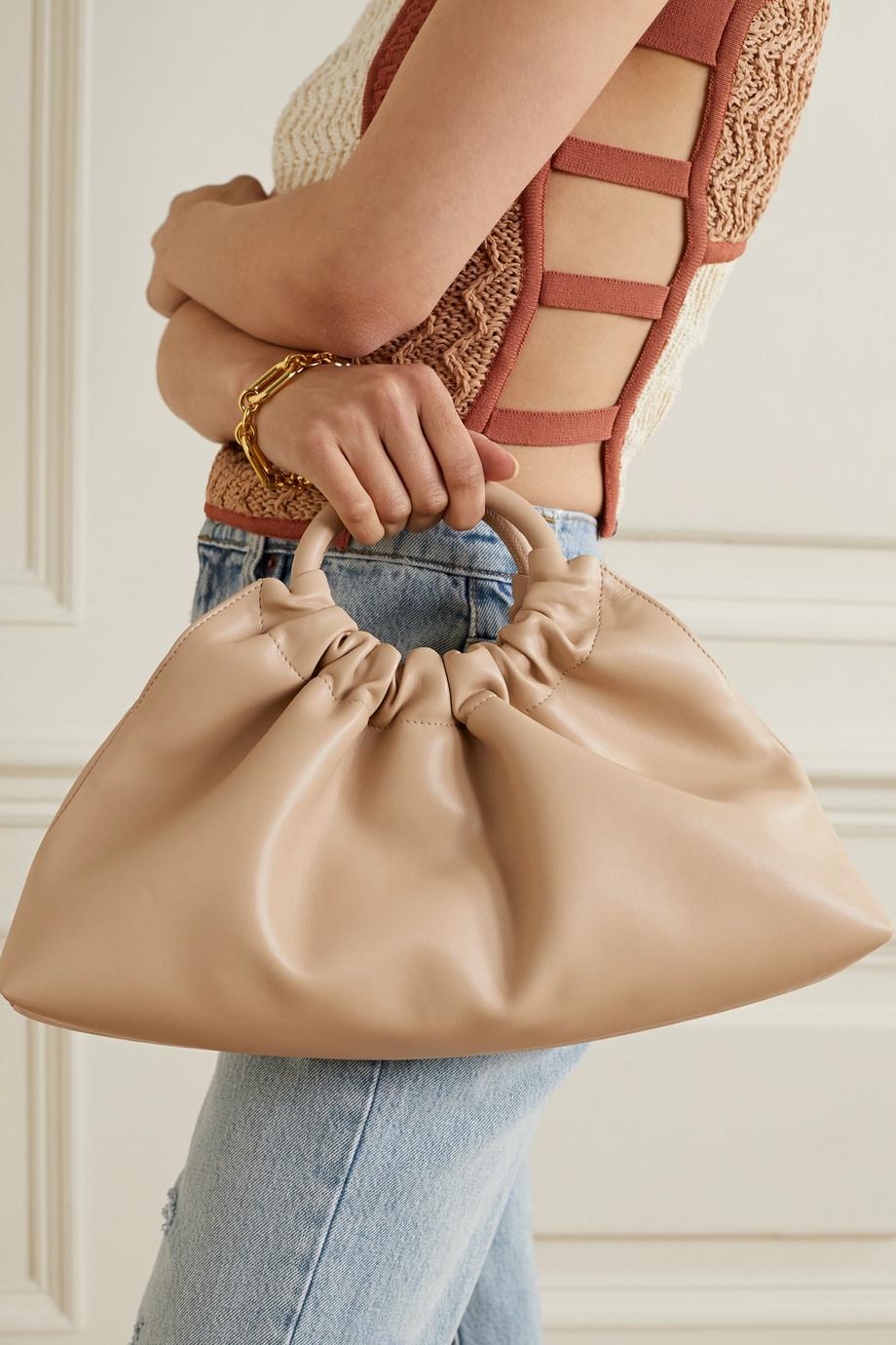 Nanushka Sac à main en cuir vegan à fronces Trapeze