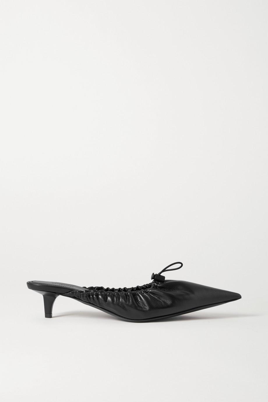 Balenciaga Scrunch Knife Mules aus Leder mit Raffungen
