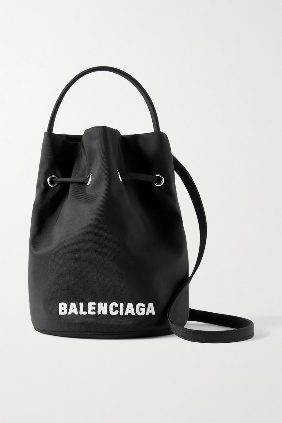 Balenciaga Sac seau en toile à broderies Wheel