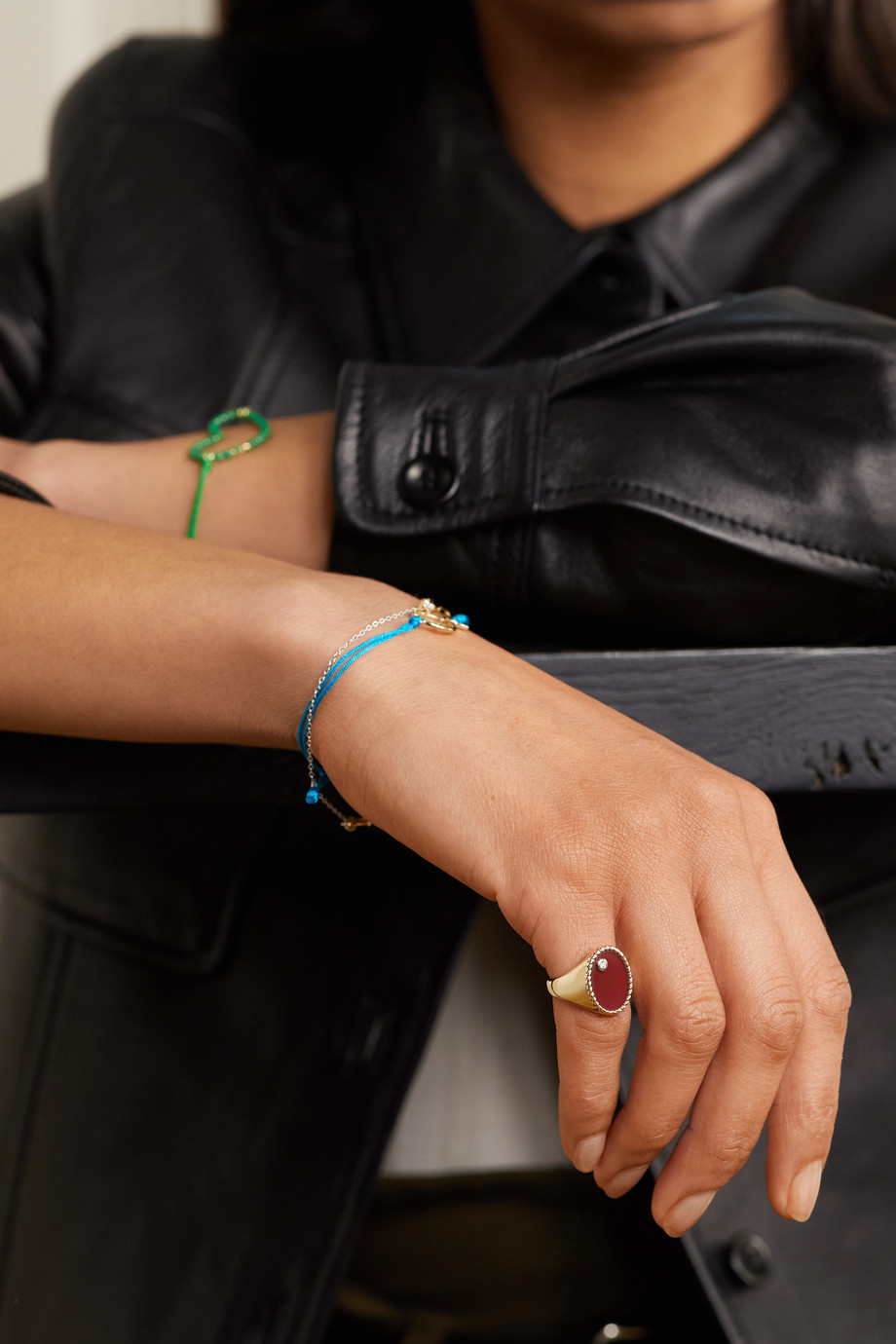 Yvonne Léon 9-karat gold, agate and diamond signet ring