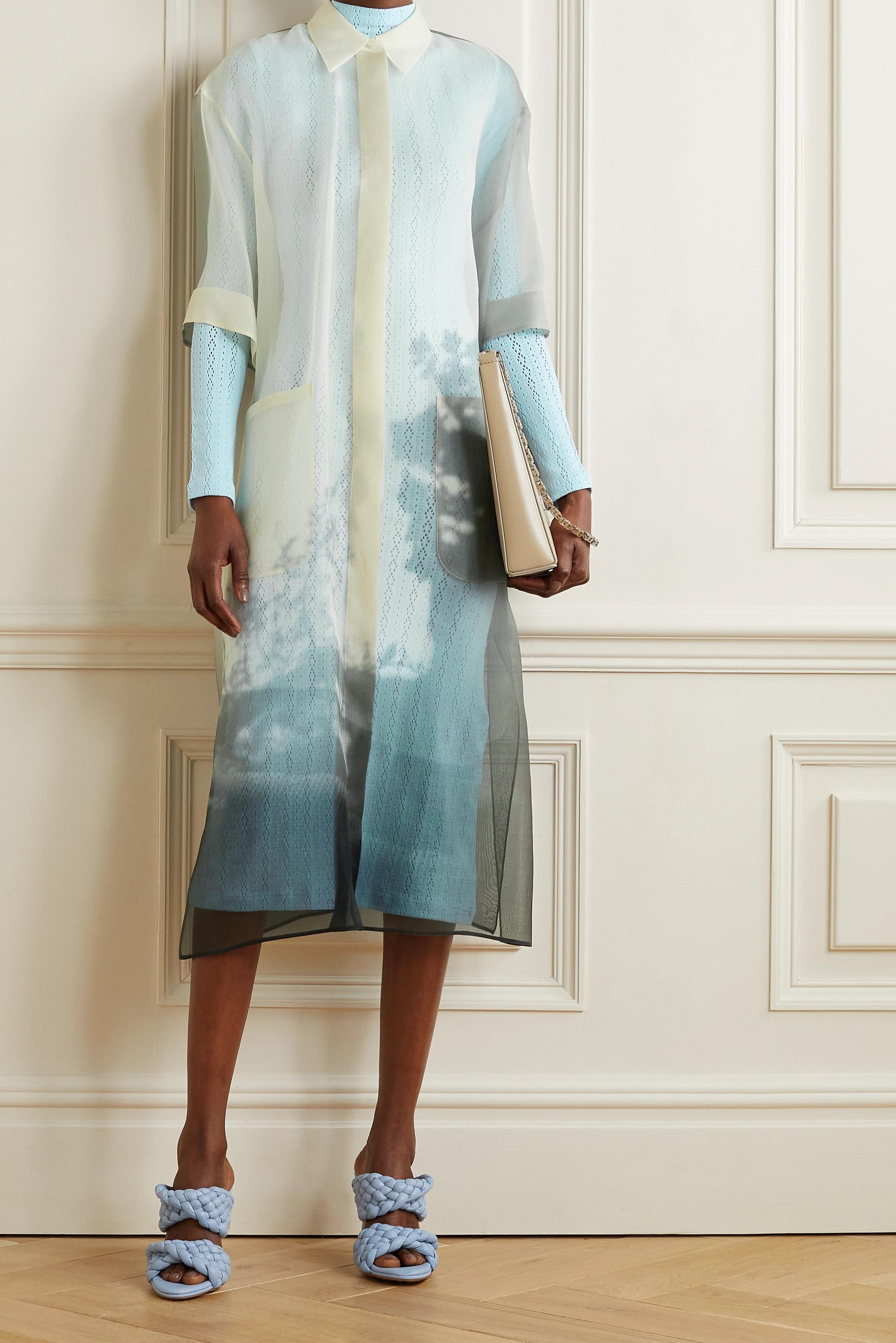 Fendi Платье миди из шелковой органзы и пуантовой вязки с многослойным принтом