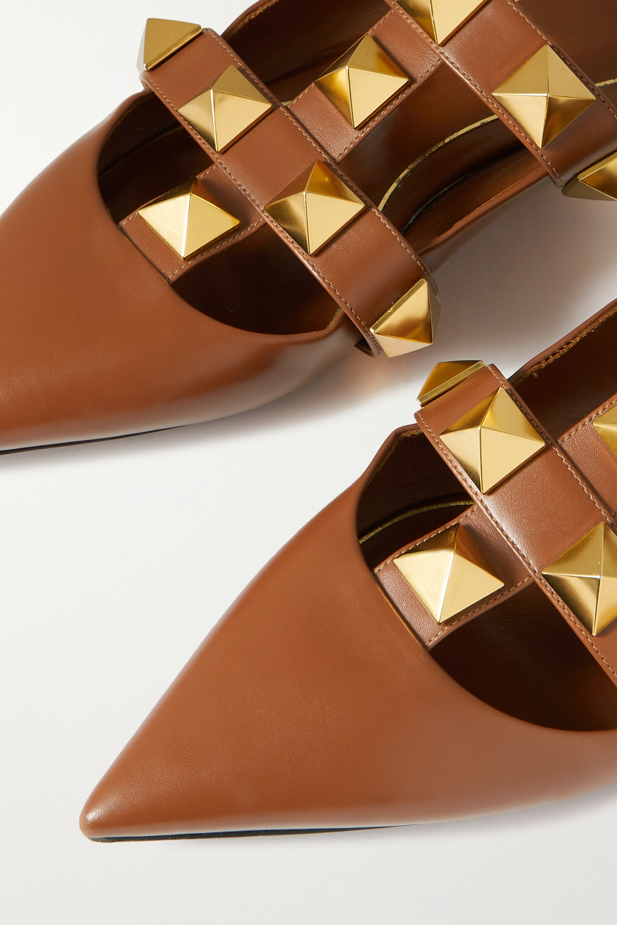 Valentino Chaussures plates à bouts pointus en cuir Roman Stud Valentino Garavani