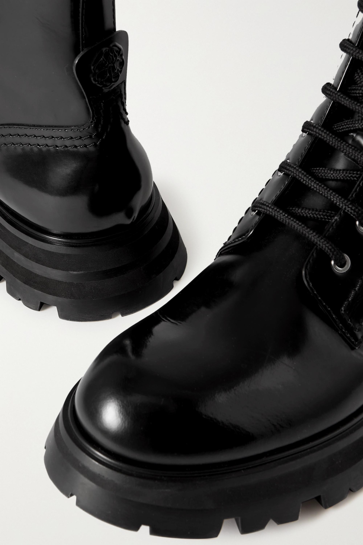 Alexander McQueen Wander Schnürstiefel aus Glanzleder mit überstehender Sohle