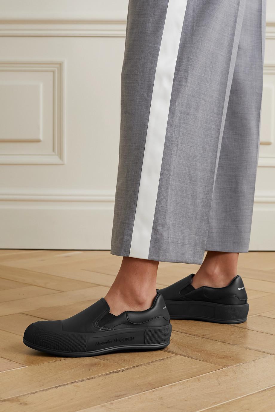 Alexander McQueen Slip-ons aus Leder mit überstehender Sohle