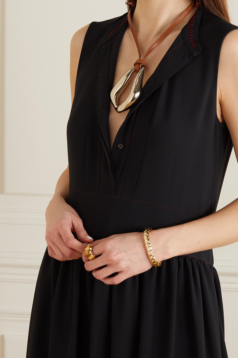 Chloé Trudie Kiss oversized gold-tone and leather necklace