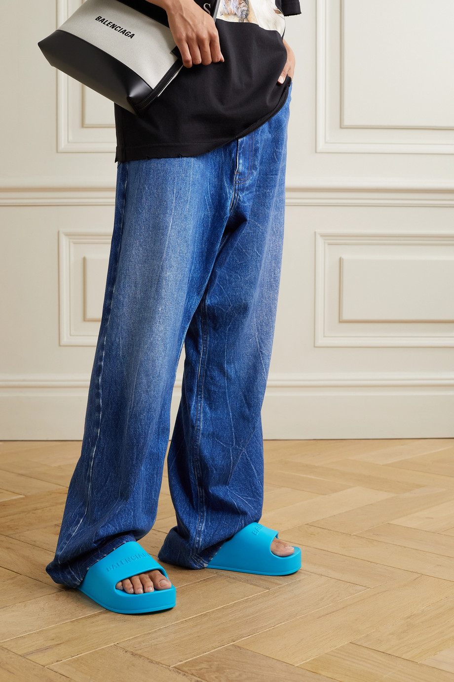 Balenciaga Claquettes plates-formes en caoutchouc à logo Mono