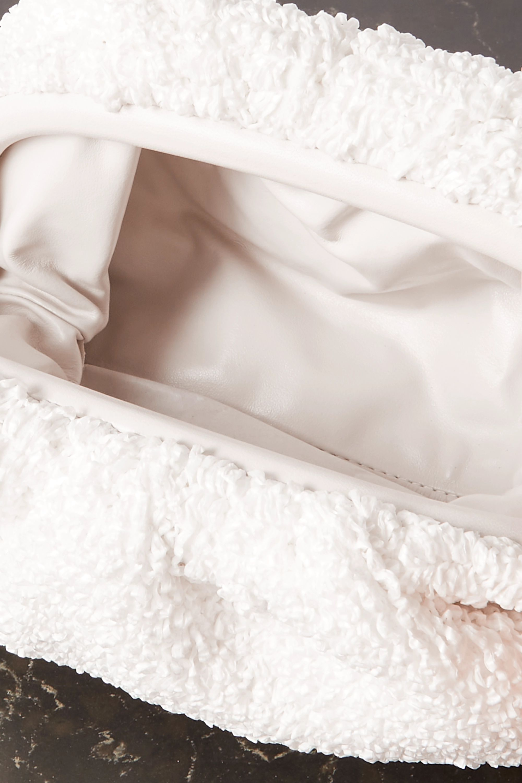 Bottega Veneta Pochette en bouclé à finitions en cuir et à fronces The Pouch Small