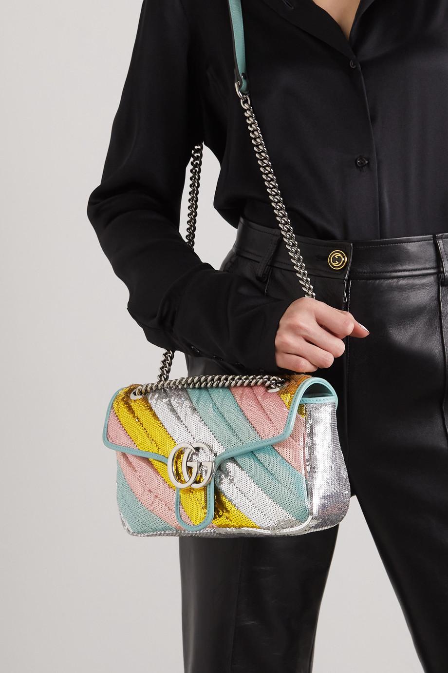Gucci GG Marmont kleine Schultertasche aus gestepptem Leder mit Pailletten